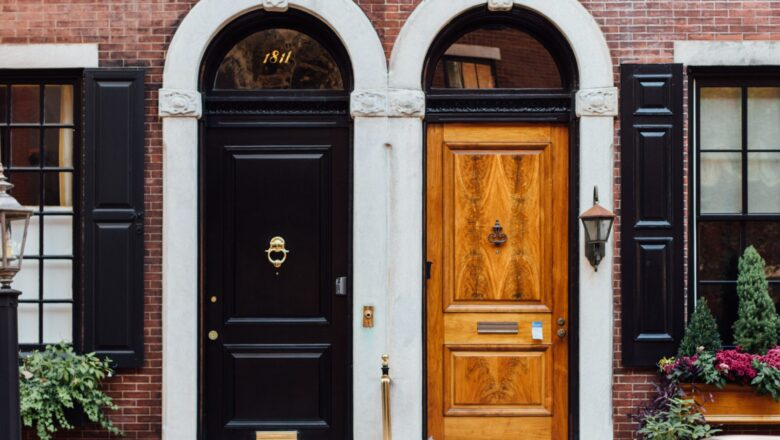 HOW TO MAKE A STATEMENT WITH YOUR ENTRYWAY DOOR